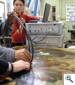 Applicazioni su dipinti di sensori a fibra ottica. Questa immagine si apre in una nuova finestra e si potra' chiudere con il tasto access-key 'X'